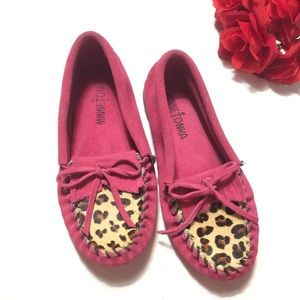 Girls Minnetonka Leopard Print Mocassins